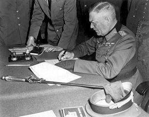 Das war dann das Ende - Keitel unterzeichnet die Kapitulation