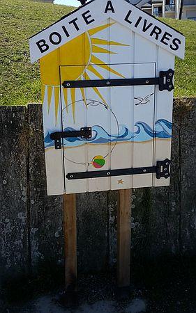 ücherbox Südbretagne mit Sonne drauf