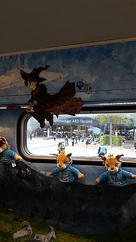 Deko im Bücherbus aus Oppland: Harry Potter auf seinem Besen