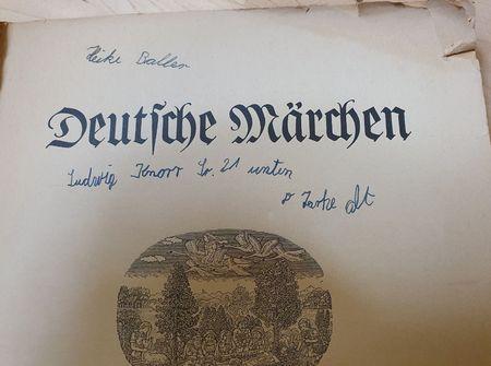 Titelblatt Deutsche Märchen mit meinem kindlichen Besitznachweis - voller Schreiebfehler