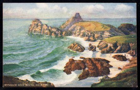 Postkarte mit Biild von Kynance Cove, zerklüftete Küste in Cornwall passend zur Szenerie im Krimi von John Bude.