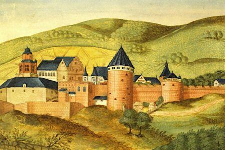 Eine Abbildung des Heidelberger Schlosses aus dem 16. Jahrhundert; rötliche Mauern, dunkele Dächer, vor Hügeln in Gründ und Gelb.